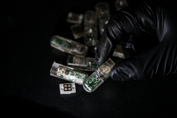 Ingestible_Microchip_Sensor_5